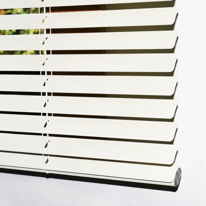 Cortina veneciana b sica cortinas baratas for Cortinas blancas baratas